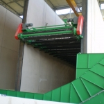 Loading / unloading conveyor